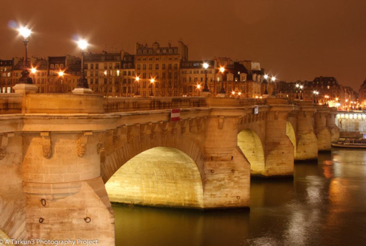 Pont Neuf Pont Neuf By Night Under An Overcast Sky The Raw File Almost Unprocessed 28 550X370 20111026200748